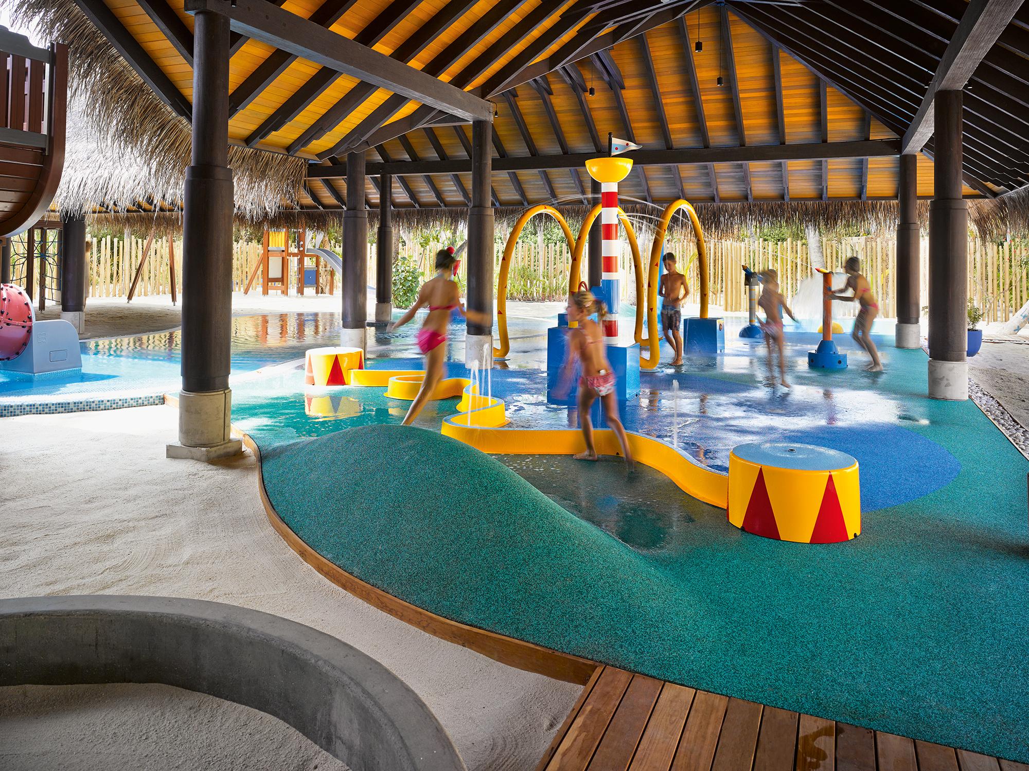 Najlepsze hotele dla rodzin z dziecmi na Malediwach