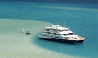 Żegluj wokół Bora Bora i Taha'a na pokładzie luksusowego jachtu Haumana